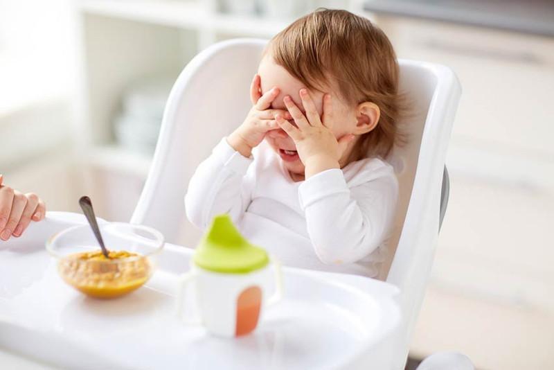Навыки приема пищи у детей до года